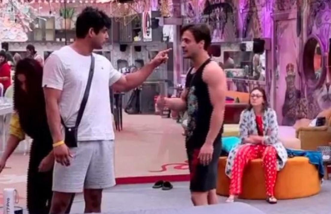 Bigg Boss 13: Rashami taunts Shehnaaz for borrowing her designer clothes